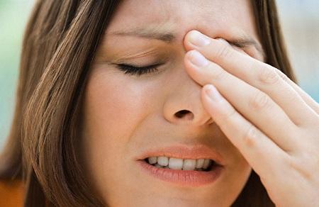 При обнаружении несколько симптомов заболевания стоит обратиться к врачу