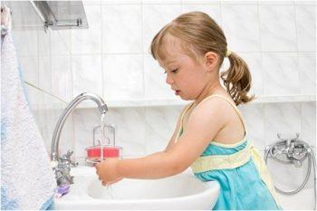 Профилактика кишечных инфекций - мытье рук.