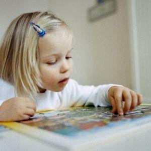 Ребенок у логопеда