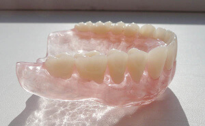 убные протезы акри фри могут быть использованы для восполнения любого количества зубов и даже при полном их отсутствии