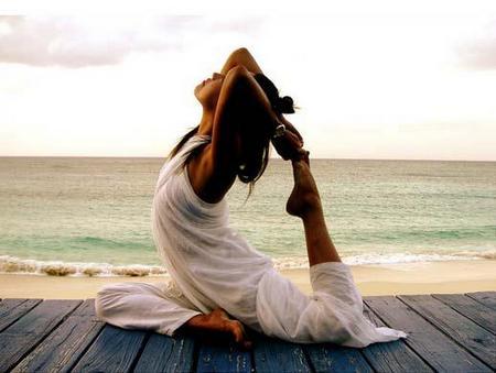 Йога при СРК
