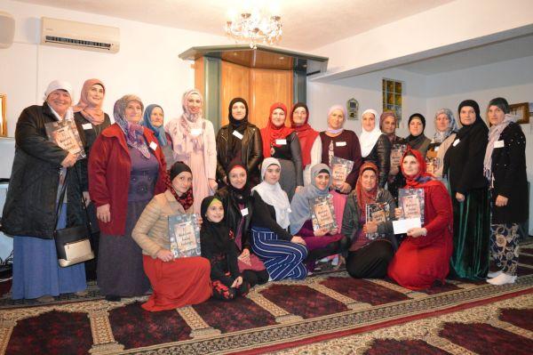 """Prva halal kuharica na manifestaciji """"Ja volim Pejgambera"""" u džematu Maljevac"""