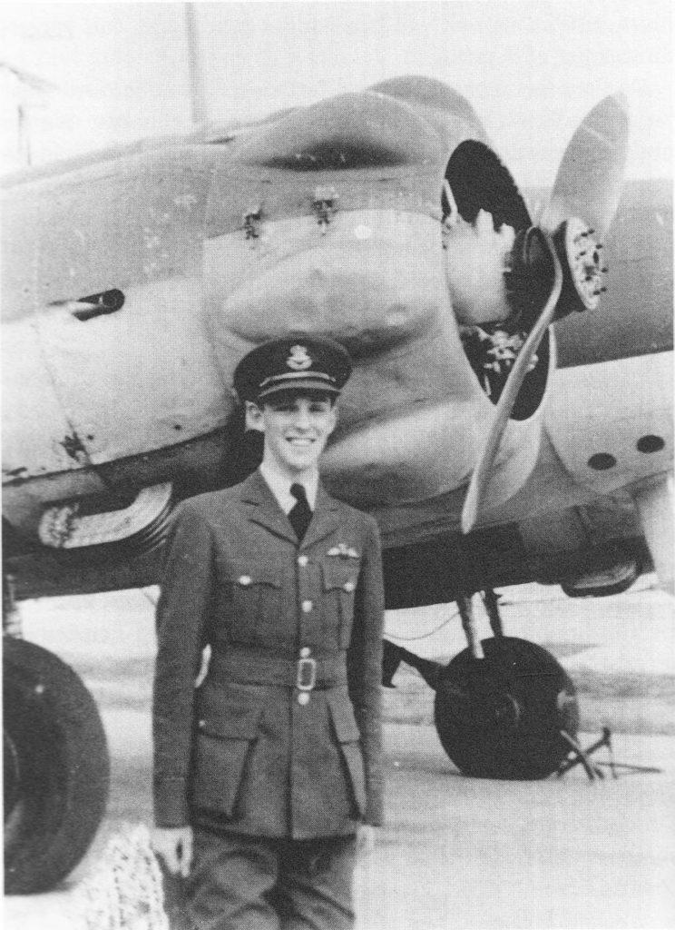 DE CANADESE PILOOT, MAJOOR EDWARD BLENKINSOP. HIJ OVERLEEFDE OP 28 APRIL 1944 DE CRASH IN ASSENT EN STIERF OP 5 JANUARI 1945 IN BERGEN-BELSEN.