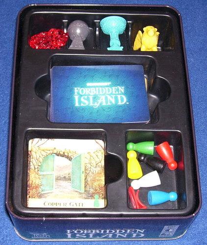La isla prohibida. Inserto.