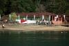 Japanische Flaggen auf Ilha Grande