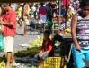 Buntes Treiben auf dem Markt von Maragojipe