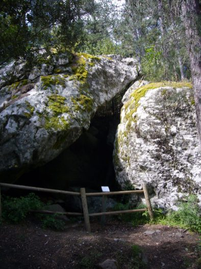 06 Abri voor herders van duizenden jaren terug