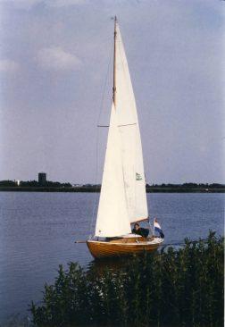 1984 001 Akka - Bernard