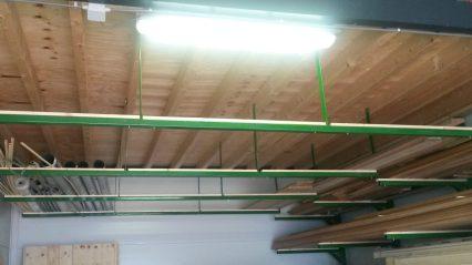 Bergruimte onder het plafond