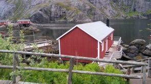 Dit zijn Rorbuer, oude visserhuisjes, eeuwenoud gebruik