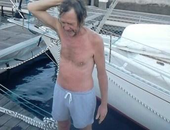 70 Nog even een duik voordat we de trossen los gooien
