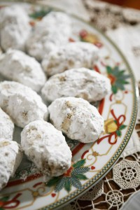 Recipe: Christmas cookies Kourambiedes and Melomakarona