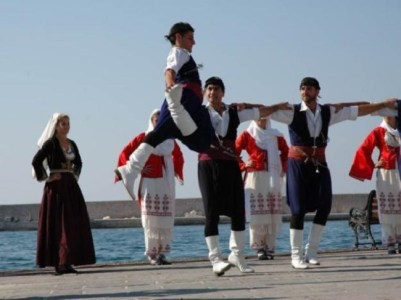 Sariki, the Cretan headscarf