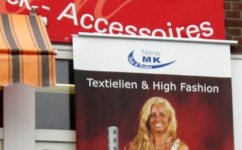Blondine vs. peinlicher Tippfehler