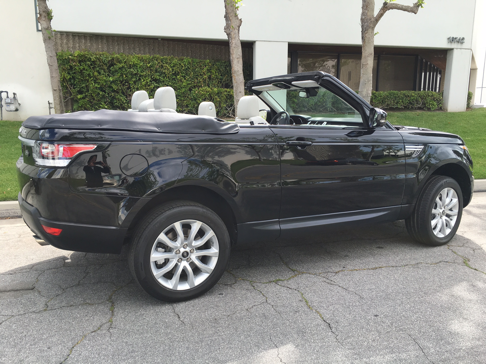 Range Rover 2 door Convertible – MEGA