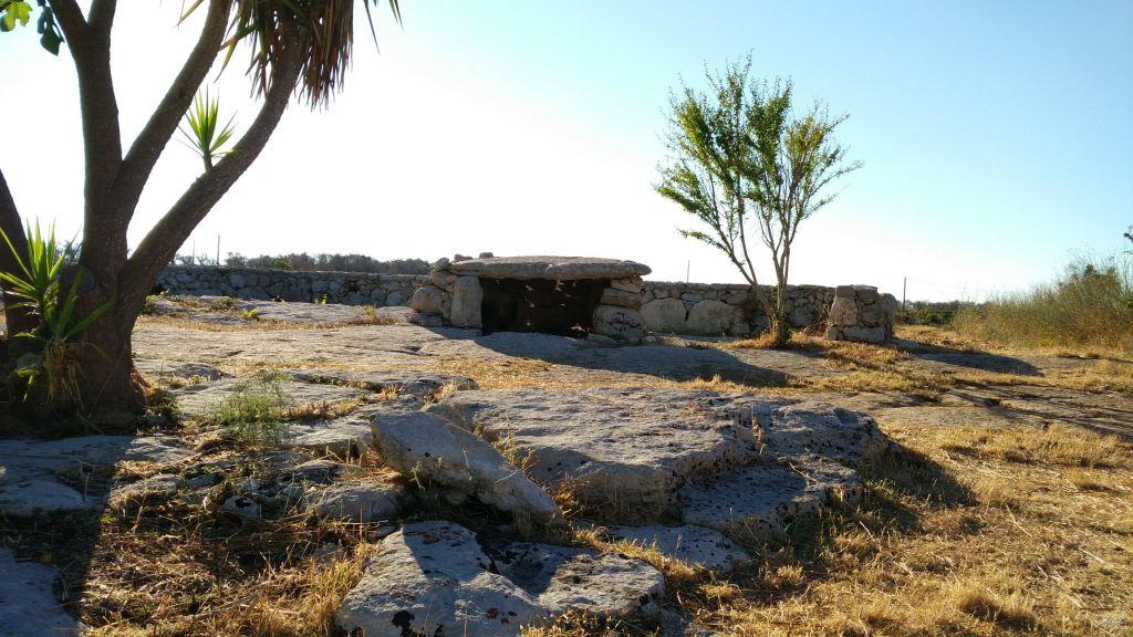 Dolmen Stabile Quattromacine Giuggianello Lecce Salento Puglia Italia 1
