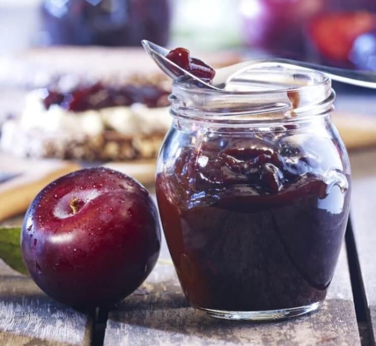 Plum and ginger jam-Megalopreneur