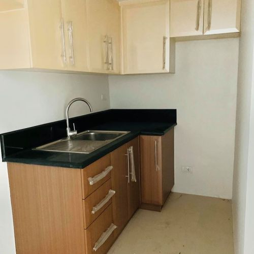 Get up to 25% discount;  Bank foreclosed  THE PARKSIDE VILLAS - CLUSTER F, SALES ST., BRGY 183, PASAY CITY - Image 3
