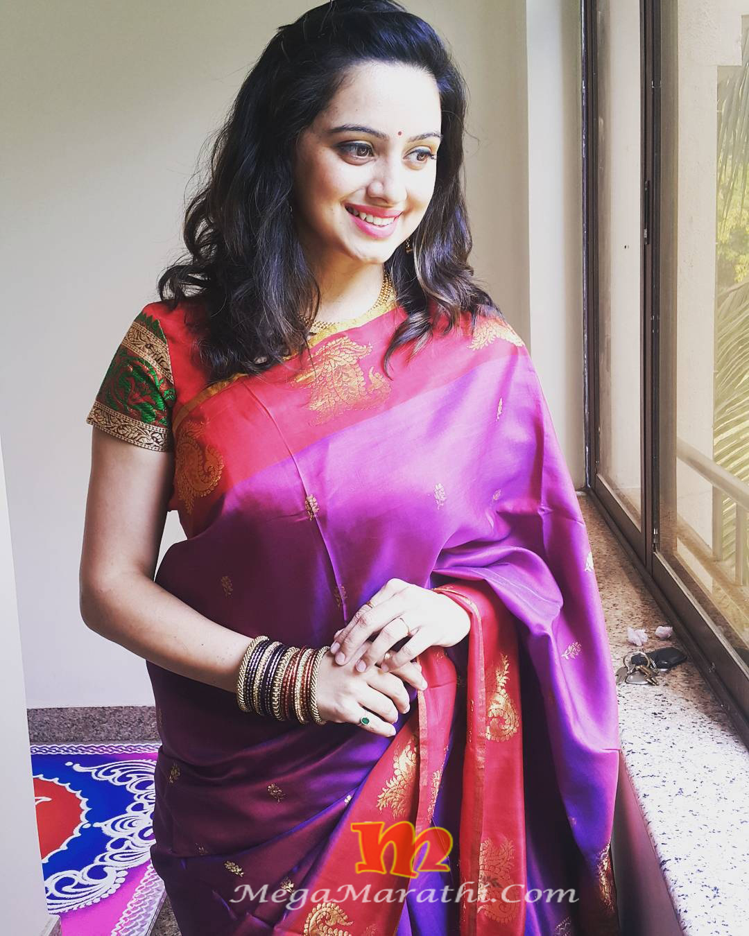 Shruti Marathe Marathi Actress Biography Photos Images Pics