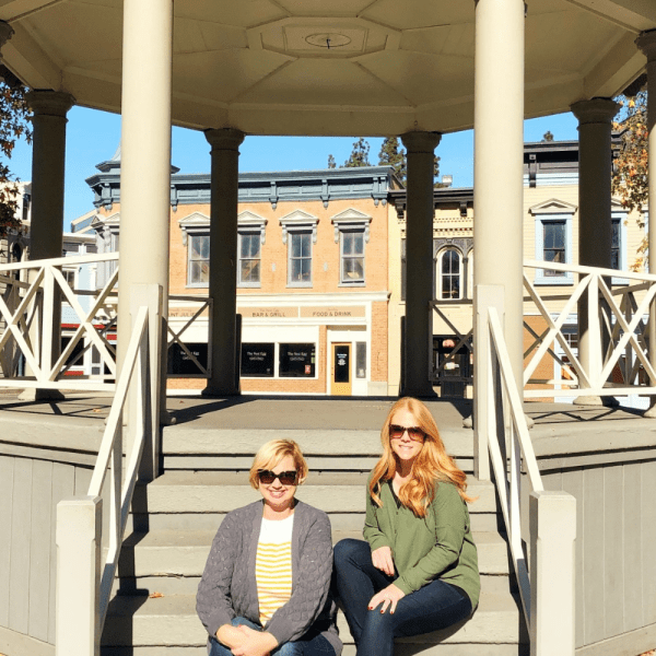 Gilmore Girls - Stars Hollow Gazebo
