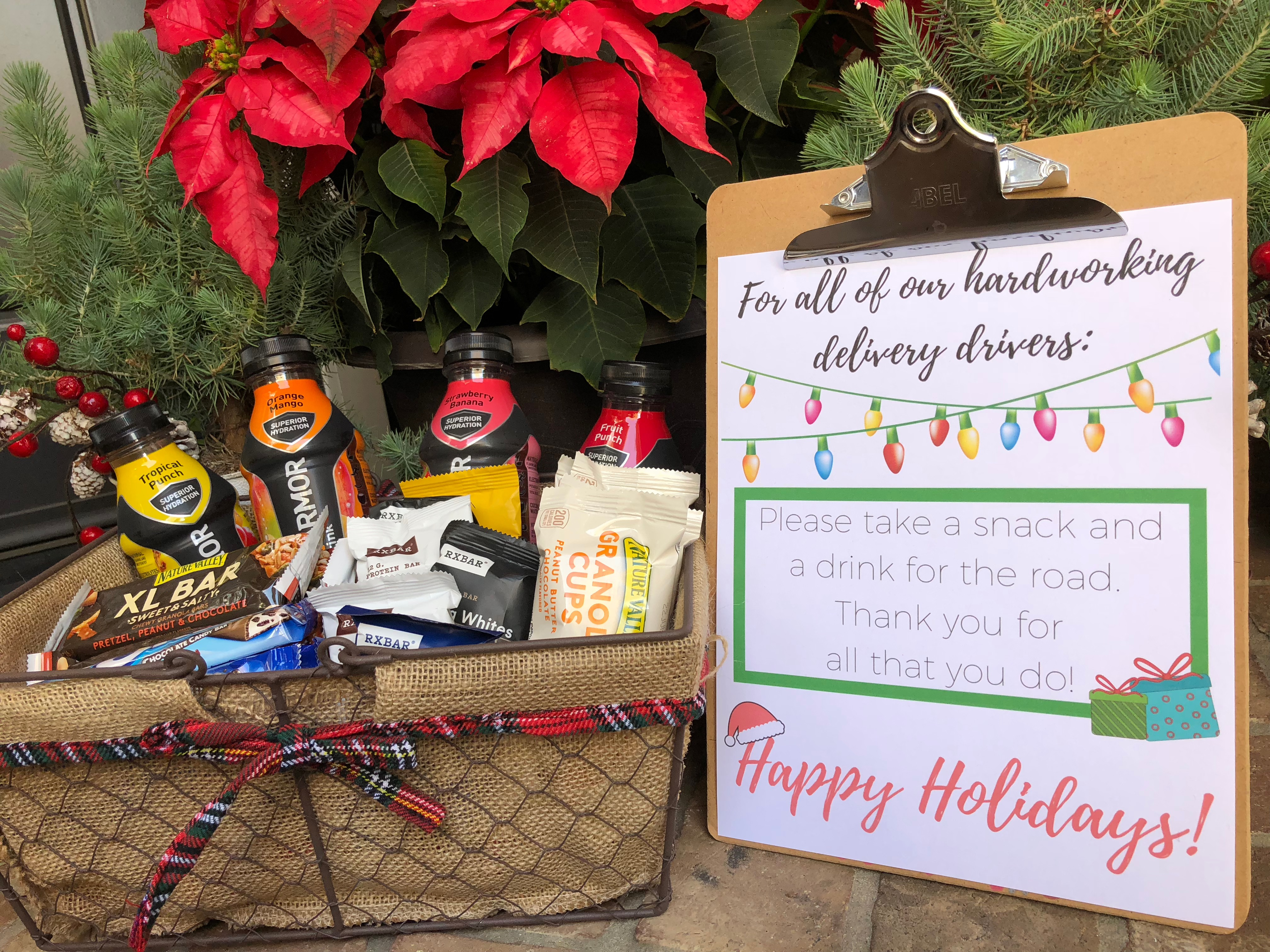 Looking for a way to say thank you to the delivery drivers who drop packages at your house this holiday season? We've got a really cute free printable with some ideas on how to show appreciation for those delivery drivers and others who make life a little easier for you. FREE Holiday Delivery Driver Printable Sign!