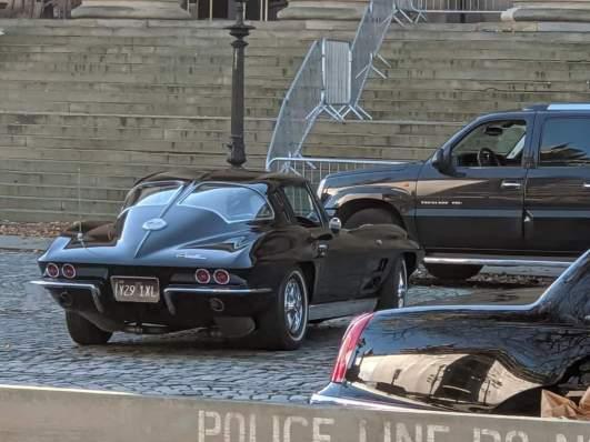 L'auto di Bruce Wayne, una Corvette Stingray del 1963