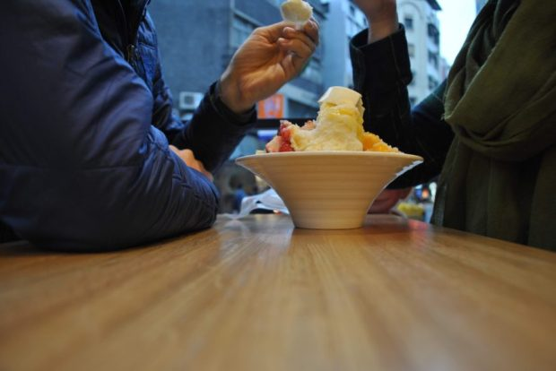 Another sweet - mango shaved ice, topped with fresh fruit and a panna cotta.