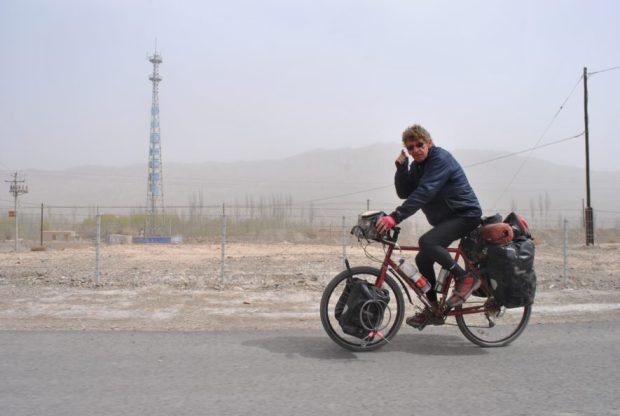 Not an amateur, I met Jan on the tail end of his New Zealand - Netherlands voyage! Here I pass him in my breezy taxi in western China.