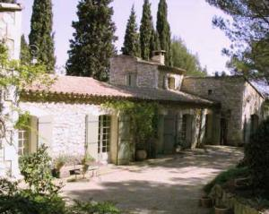 Front view of L'Harmas-French villa