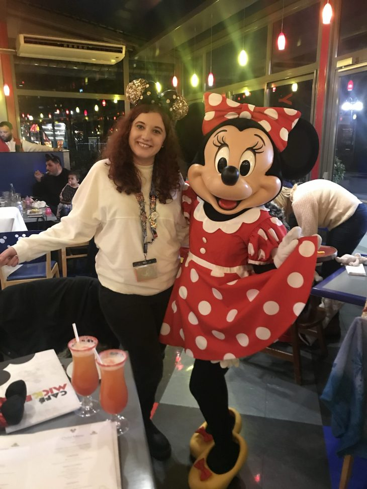 Minnie Mouse Cafe Mickey