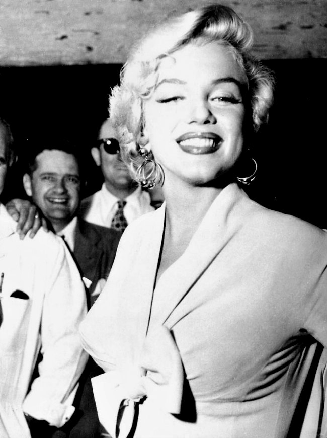 Marilyn arrives in New York to film The Seven Year Itch in September 1954.