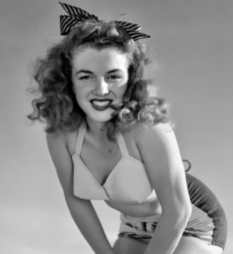 Norma Jeane by Andre de Dienes in late 1945.