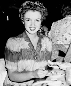 Norma Jeane at the Los Angeles Clifton Restaurant, which she attended with her then Husband Jim Doughtery in 1944.