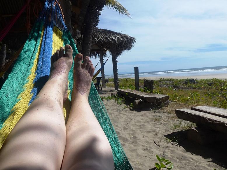 06-ElCuco-beachfeet