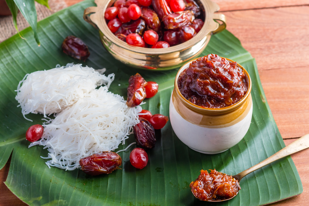 Idyappam with cherry and dates pickle