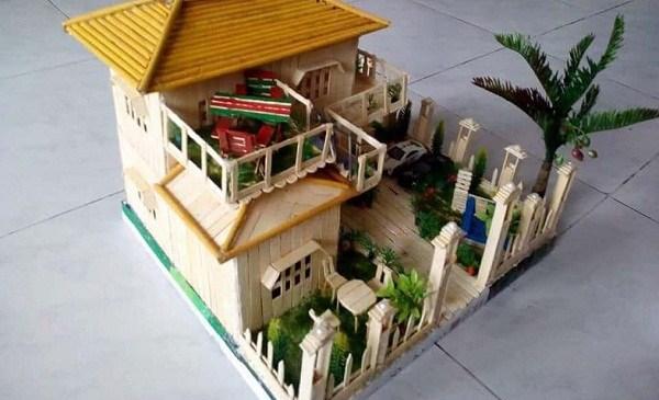 আইসক্রিমের কাঠি দিয়ে বাড়ি নির্মাণ করেছেন লক্ষ্মীপুরের ইমরান