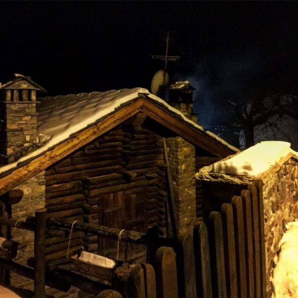 weekend montagna chamois di sera
