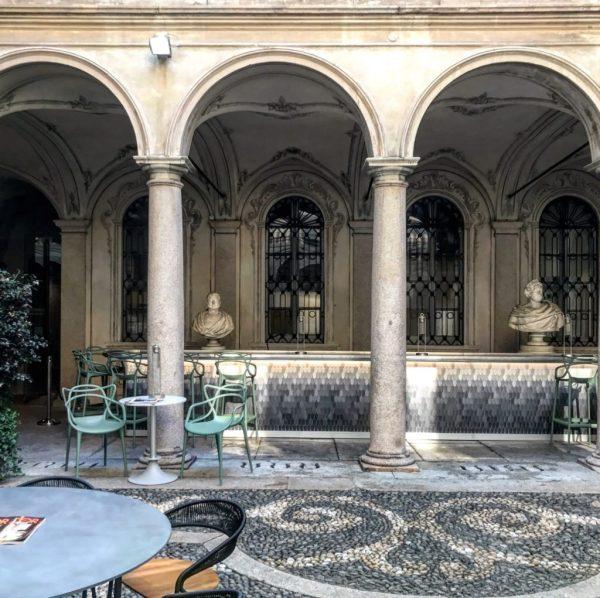 open bar a palazzo morando tra milano mostre gratis