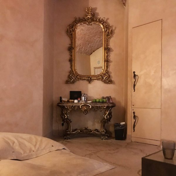 Infusi e tisane nella spa dello chateau monfort di Milano