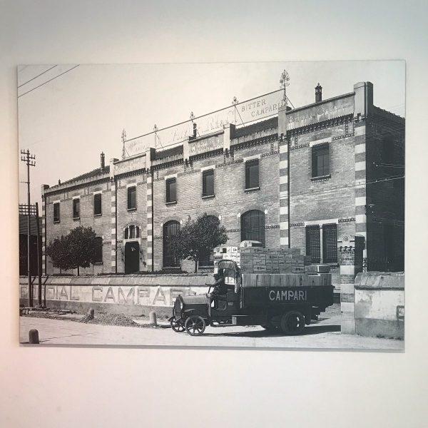 La facciata della Fabbrica Campari