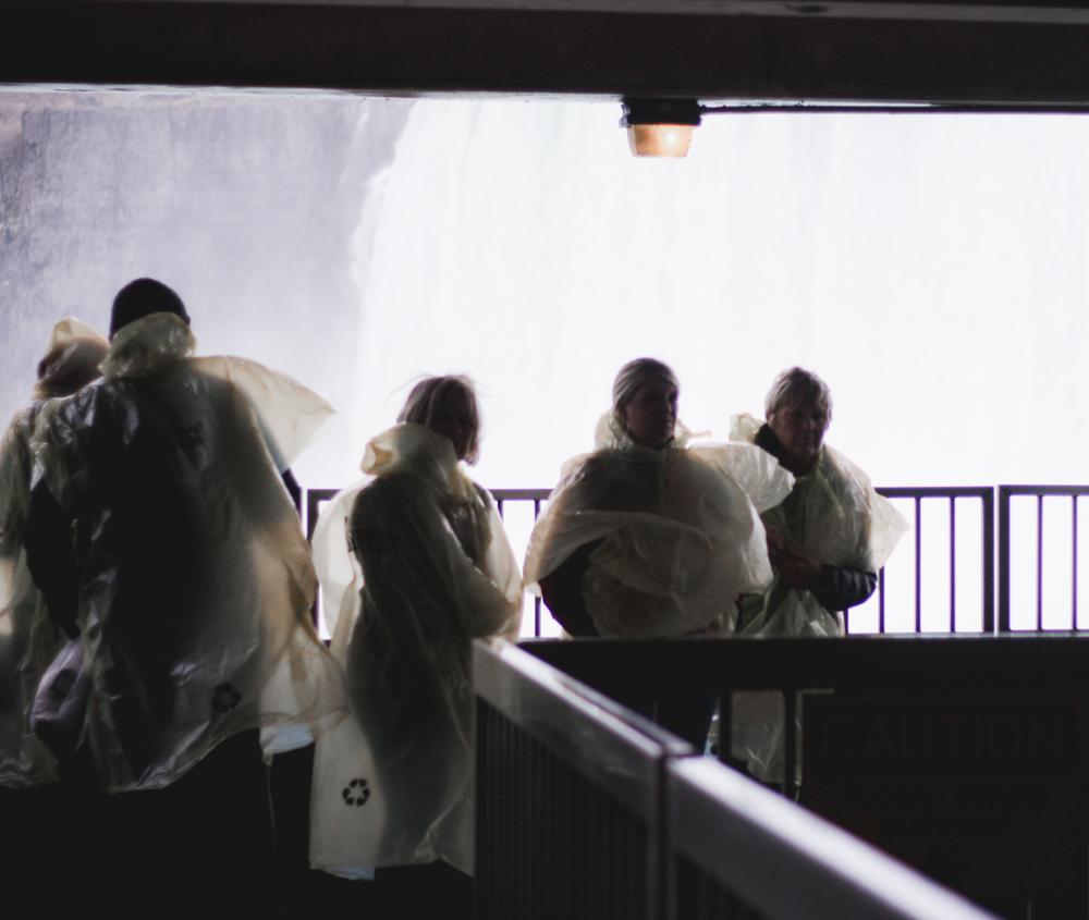 niagara falls; tourist guide