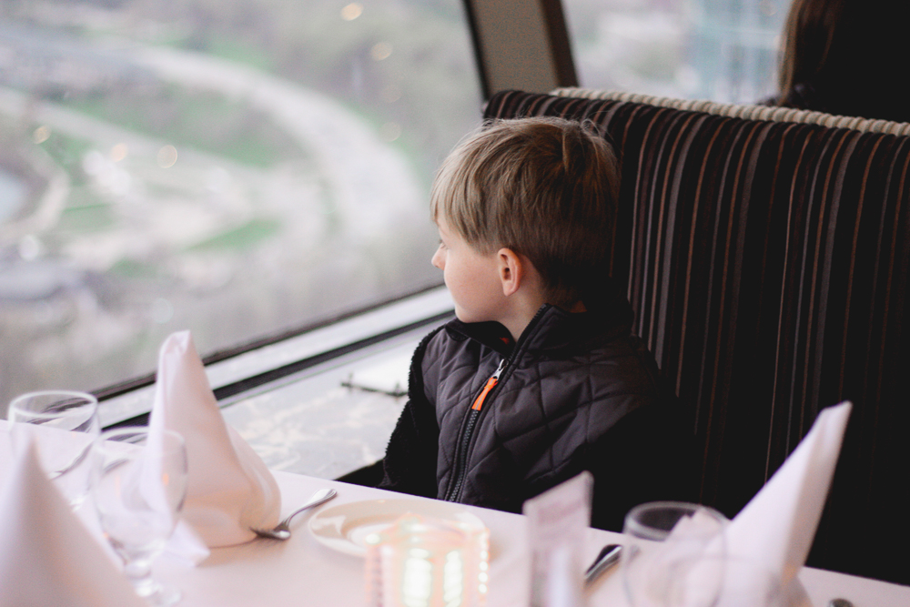 Skylon Revolving Restaurant | niagara tourist guide | top instagram worthy locations