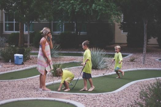 mini golf | vegas vacation | meg marie and family | 2017