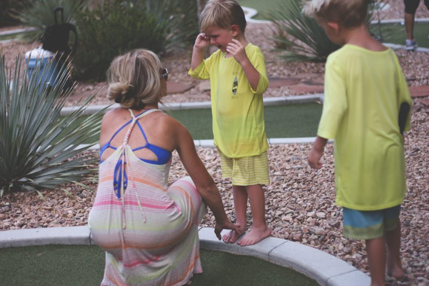mini golf | vegas vacation | meg marie and family | 2017