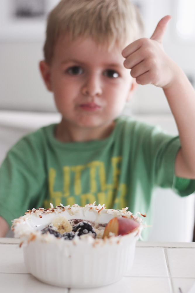 blue smoothie bowls |meg marie Wallace | fruit bowls | kid friendly snack