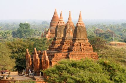 Myanmar #6 (264,65,66) Bagan, temples, inscriptions, B-day party 044