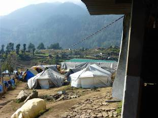 p1090136-achool-tents