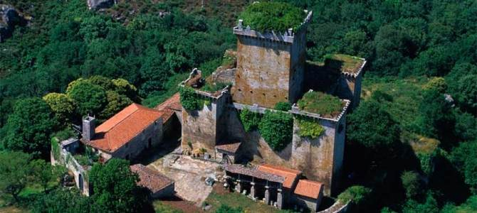 El Castillo de Pambre recibe 3.500 visitas desde su apertura oficial