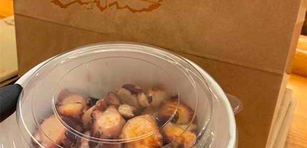 El coronavirus cambia la tradición de comer el pulpo en Padrón, este año desde casa!