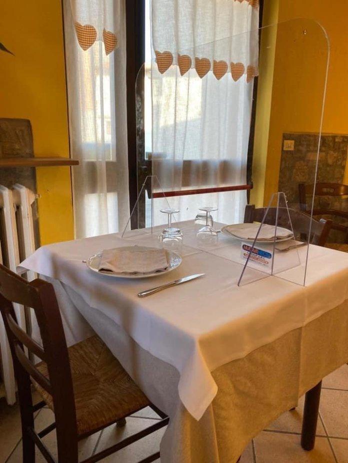 Prepárate a comer entre «Mamparas de Metacrilato» en Restaurantes para separar a los comensales